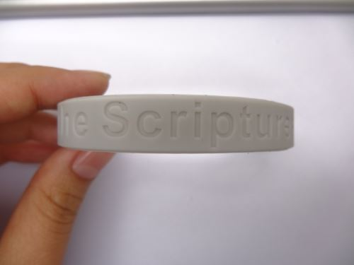 Which website silicone wristbands best quality?