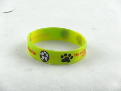 How many people are there in love with silicone wristbands British?