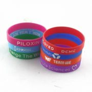 create-a-rubber-bracelet_440.jpg