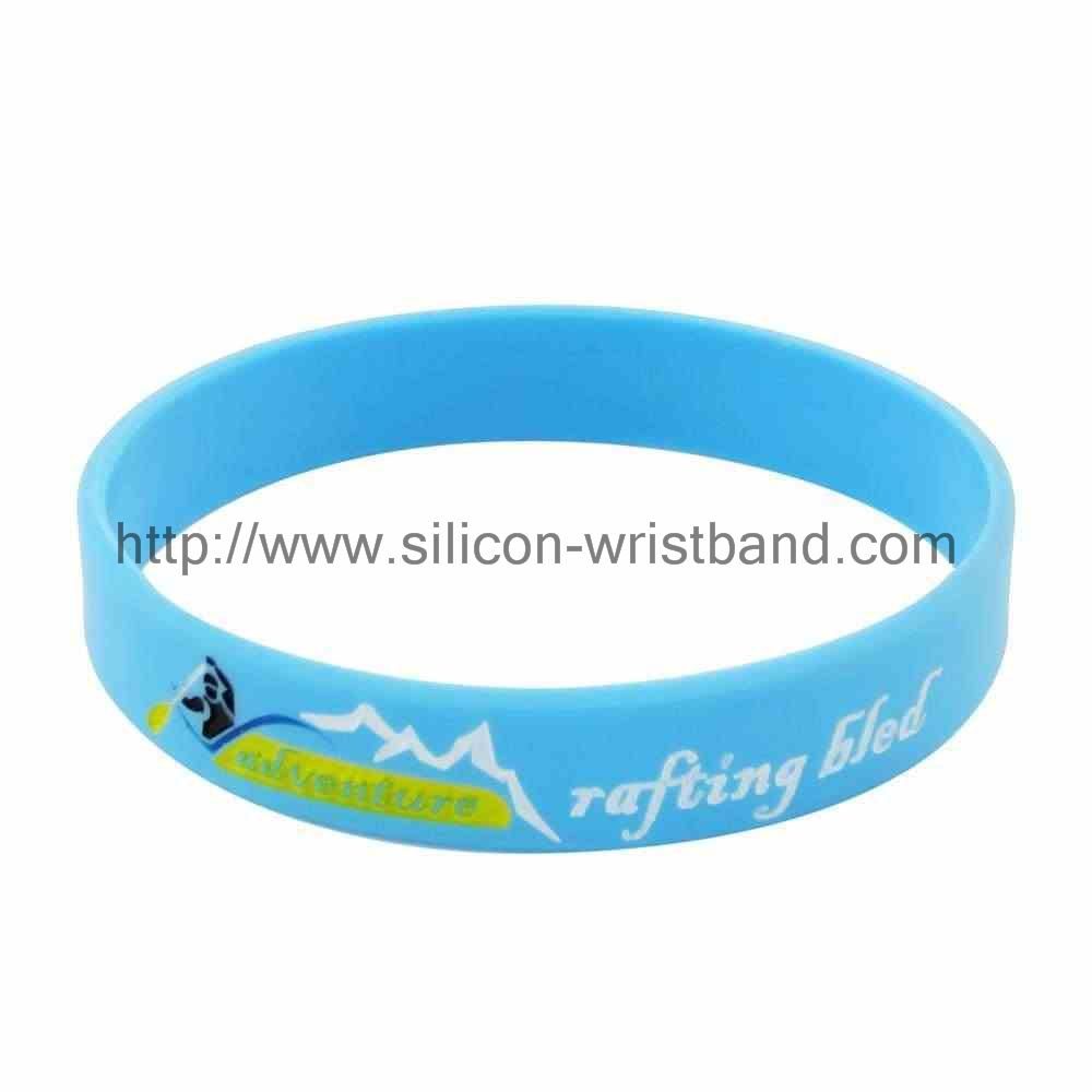 Why do many occasions can see silicone wristbands?