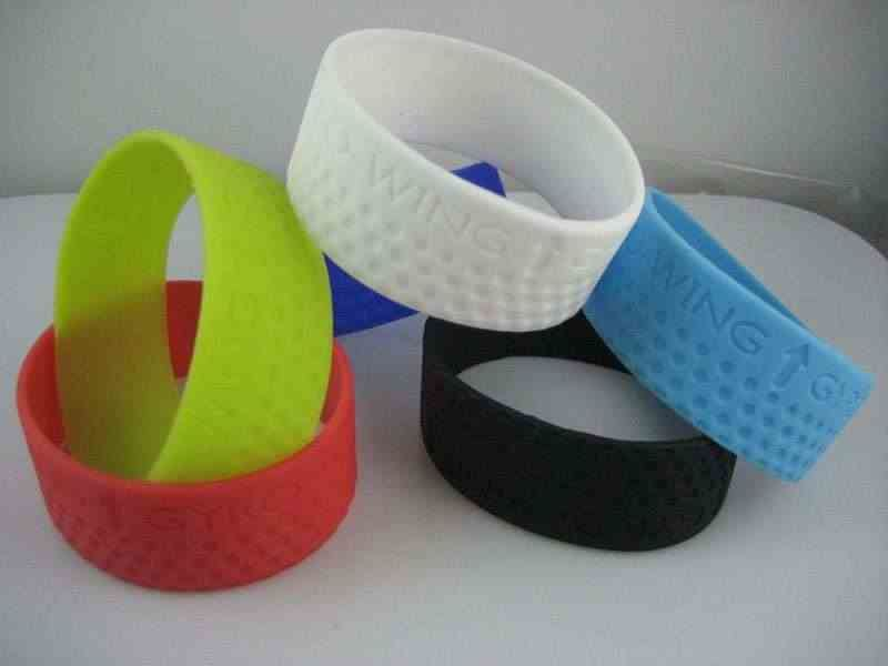 Silicone bracelet design should pay attention to what?
