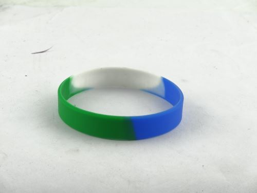 glow in the dark wristbands