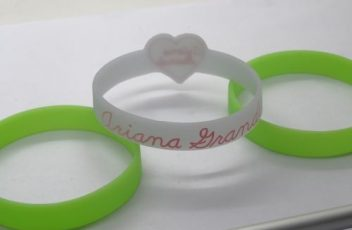 personalised-wristbands-cheap-uk_7444.jpg