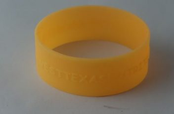 silicone-bracelets-make-your-own_9909.jpg