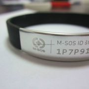 making-wristbands_68914.jpg