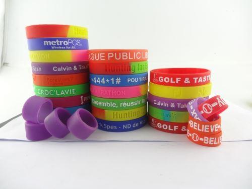 make-your-own-rubber-bracelet-online_101283.jpg